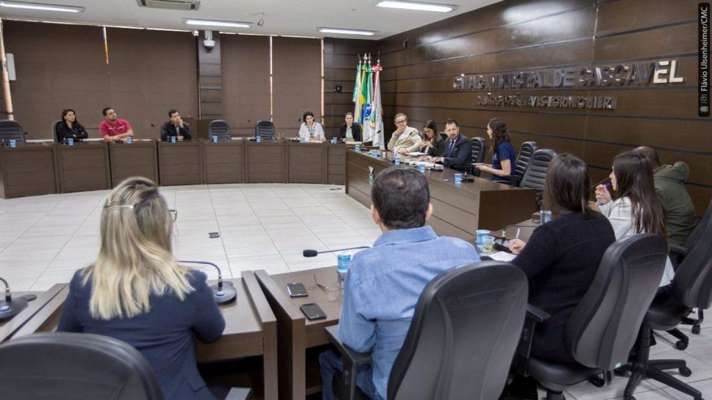 Vereadores debatem projeto para dar transparência nas vagas para os CMEIs