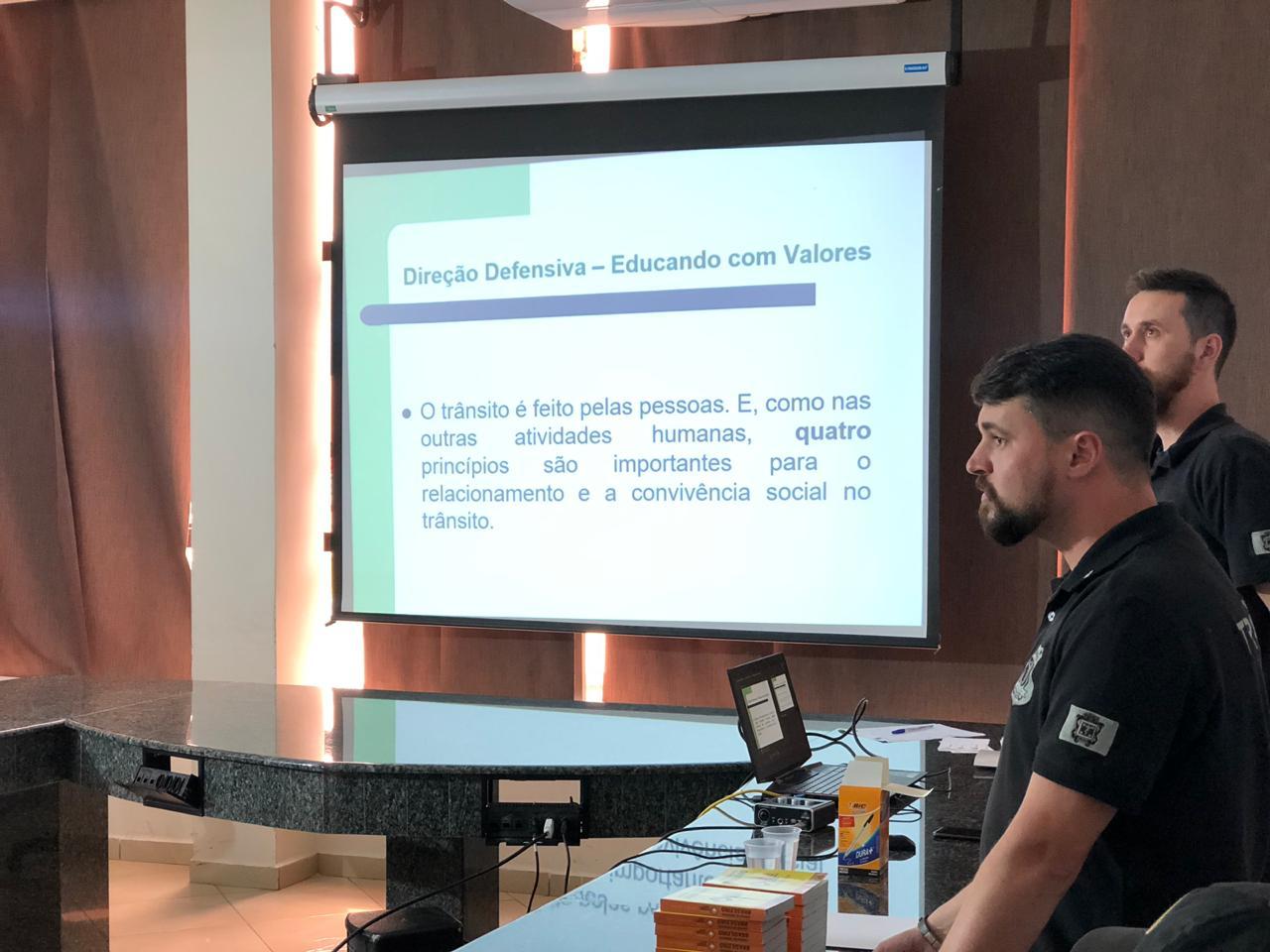 Escola do Legislativo realiza curso em parceria com a Cettrans