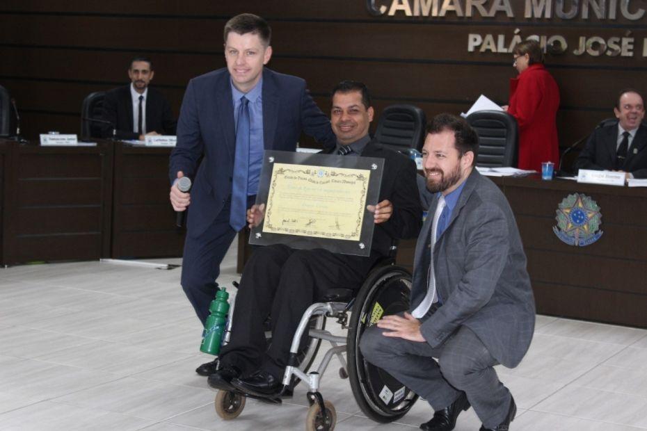 Câmara reconhece história de superação de Daniel Vianna, o Cadeirante Voador