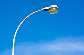 Iluminação pública continua em pauta: População relata problemas pela cidade