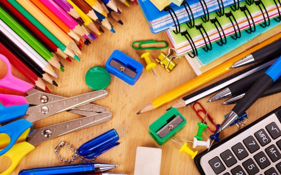 Procon divulga pesquisa de preços do material escolar: cola bastão varia 337% em Cascavel