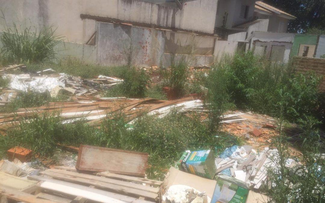 Hallberg cobra fiscalização em terreno na Rua Antonina
