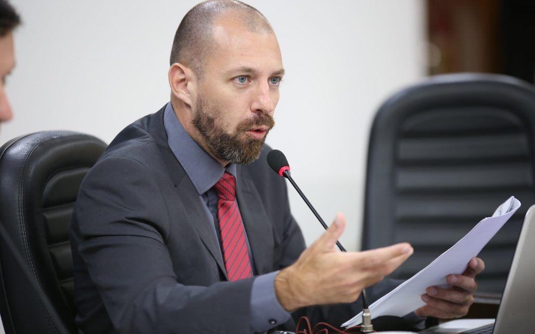 Vereador cobra devolução de R$ 10 milhões de reais cobrados de maneira ilegal pela Prefeitura de Cascavel