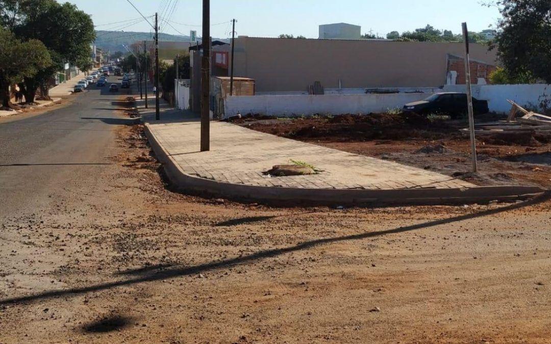Hallberg cobra Prefeitura pela falta de acessibilidade em obra na Av. Papagaios